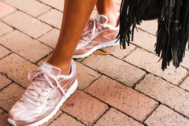 reebok rose gold sneakers, dsw shoes, dew shoe lovers, rose gold sneakers, women rose gold sneakers