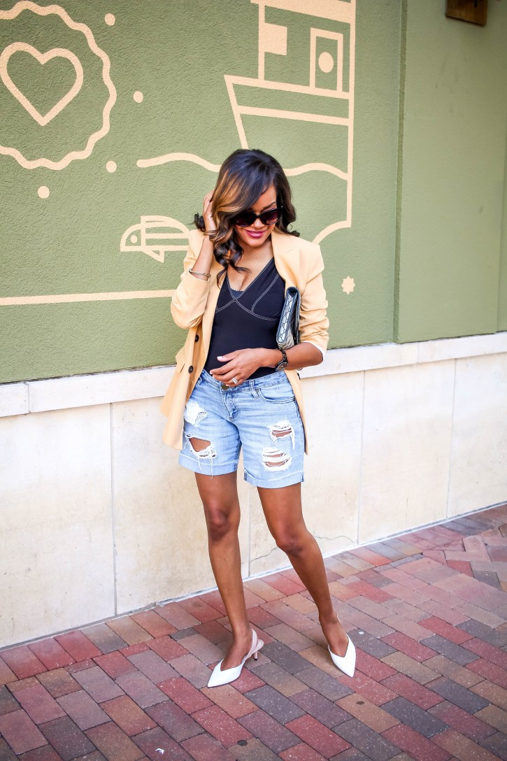 zara blazer, blazer and shorts outfit, blazer outfit inspo, blazer summer outfit inspiration, how to wear blazer in the summer, dallas blogger, fashion blogger, black fashion blogger, blazer outfit