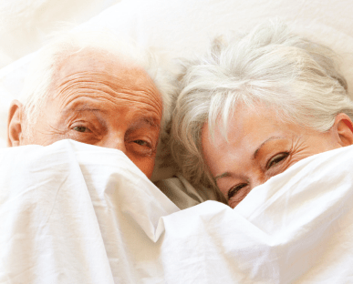 seniors_in_bed