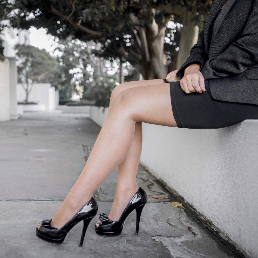 legs-in-high-heels