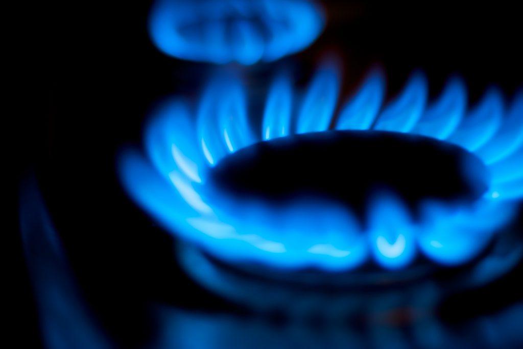 US natural gas prices soften market eyes big hedge fund