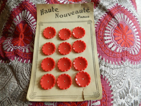 french vintage buttons