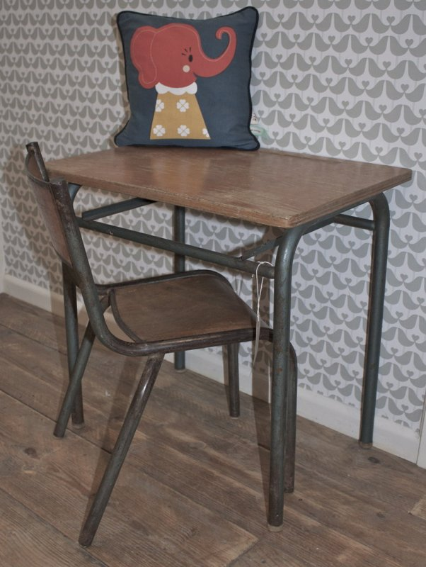 Vintage_Childrens_Desk