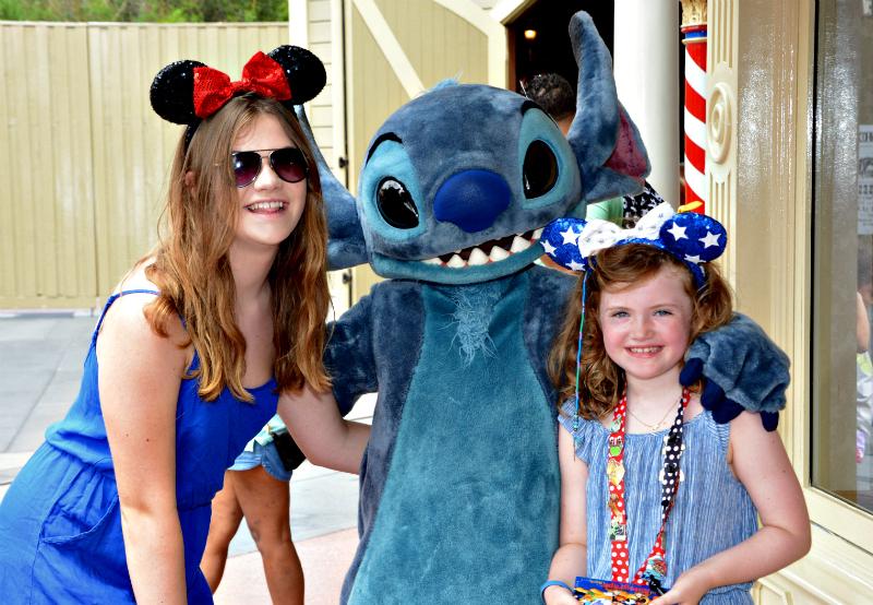 meeting-stitch NIa and A WDW magic kingdom