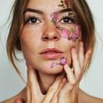 7 Beauty Tips for Flawless Winter Skin