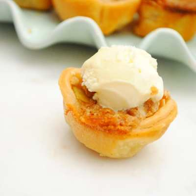 Apple Crisp Tarts