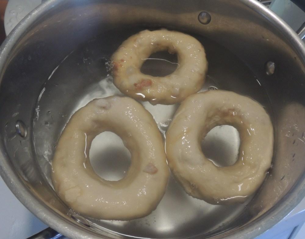 Simmering bagels