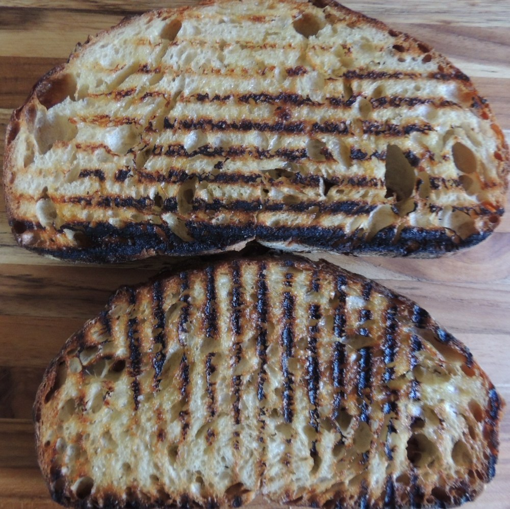 Bread grilled with olive oil