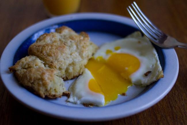 buttermilk-biscuits-3