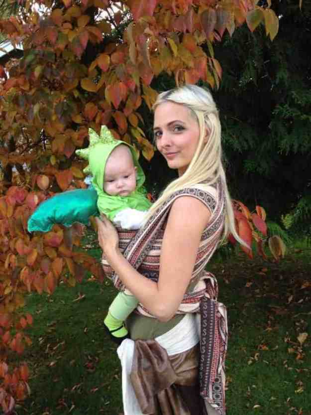 Creative Babywearing Halloween Costumes - Game of Thrones Daenerys & Dragon