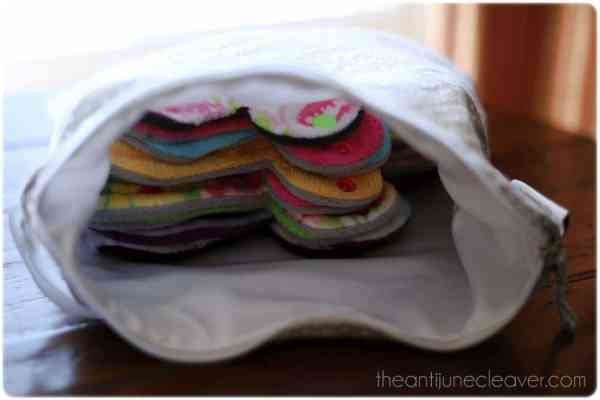 Buttons wet bag review #wetbag #clothdiapers #mamacloth