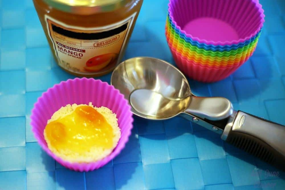 Cool Off this Summer with Ice Cream Cupcakes #SunsOutSpoonsOut #Ad #cbias