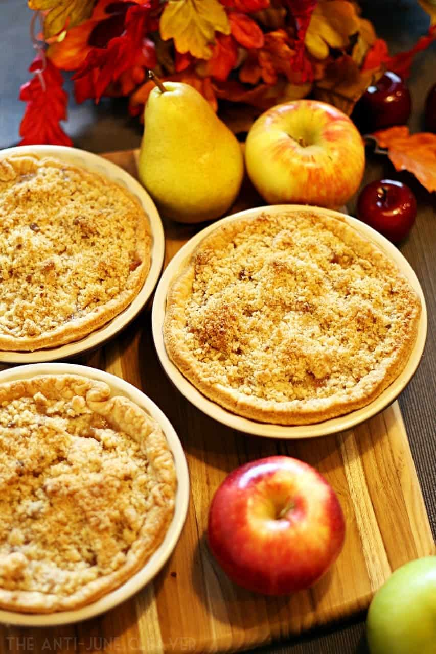 Mini Dutch Apple Pear Pie to Get You Ready for Fall