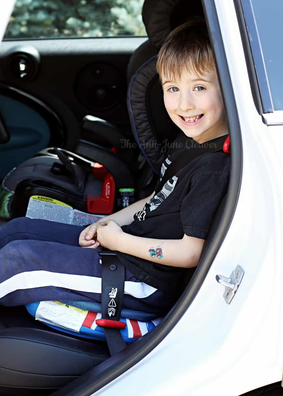 Travel with Kids: Travel Light with the BubbleBum Inflatable Booster Seat (review)