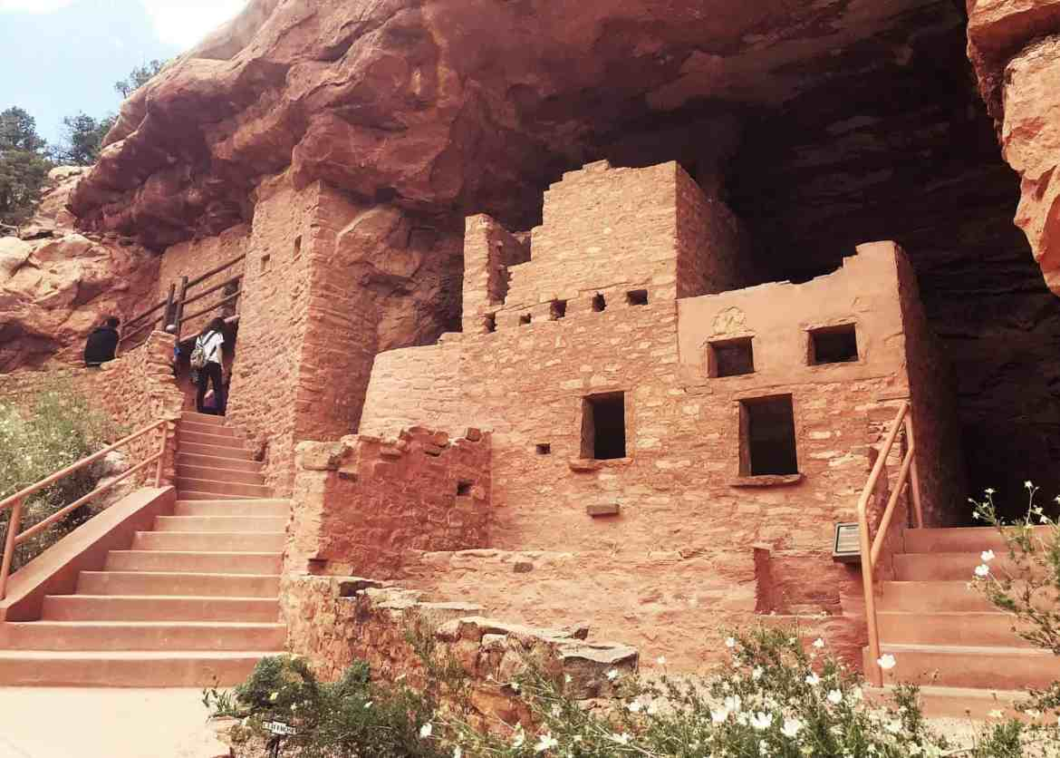 Visit the Manitou Cliff Dwellings in Manitou Springs, Colorado #manitou #manitoucliffdwellings #colorado #coloradotravel #thingstodocolorado, #manitousprings #coloradosprings #cliffdwellings #travelwithkids #travel #usatravel