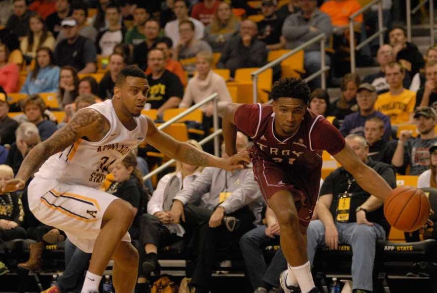 The Mountaineers narrowly defeated the Trojans 65-62. Photo by Corey Spiers  |  The Appalachian