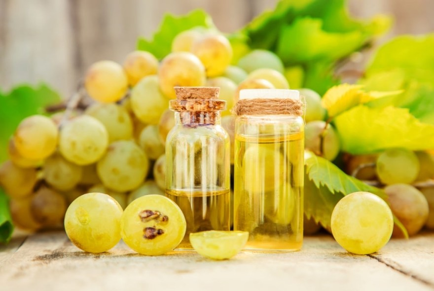 Benefits of Grapeseed Oil for Hair
