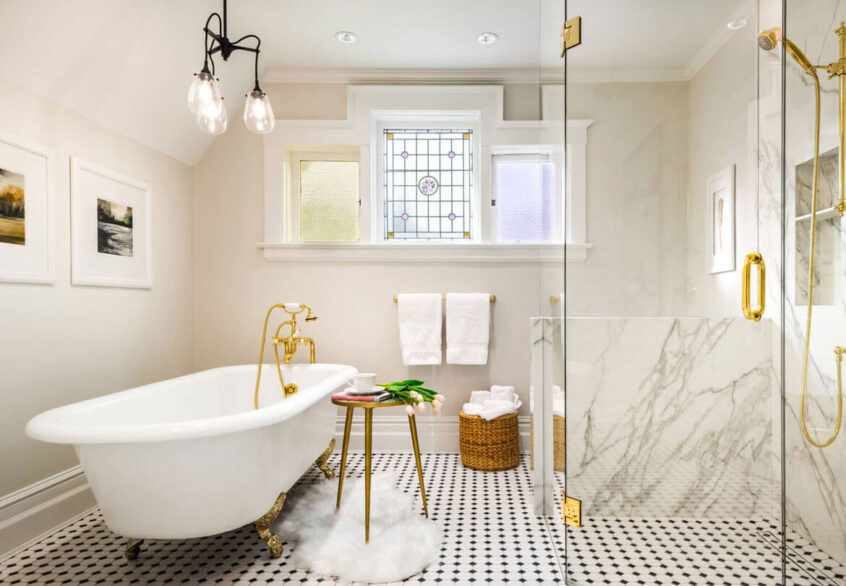 Stunning Bathroom Makeover Ideas Trending in 2021 - The ...