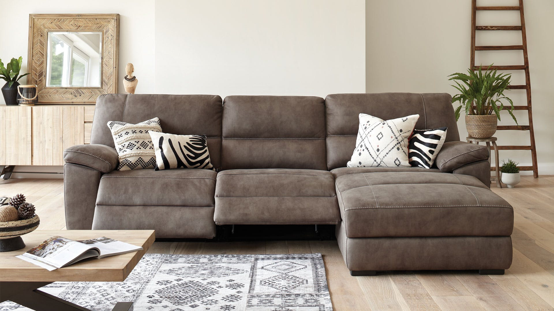 3 beautiful reclining sofa designs with