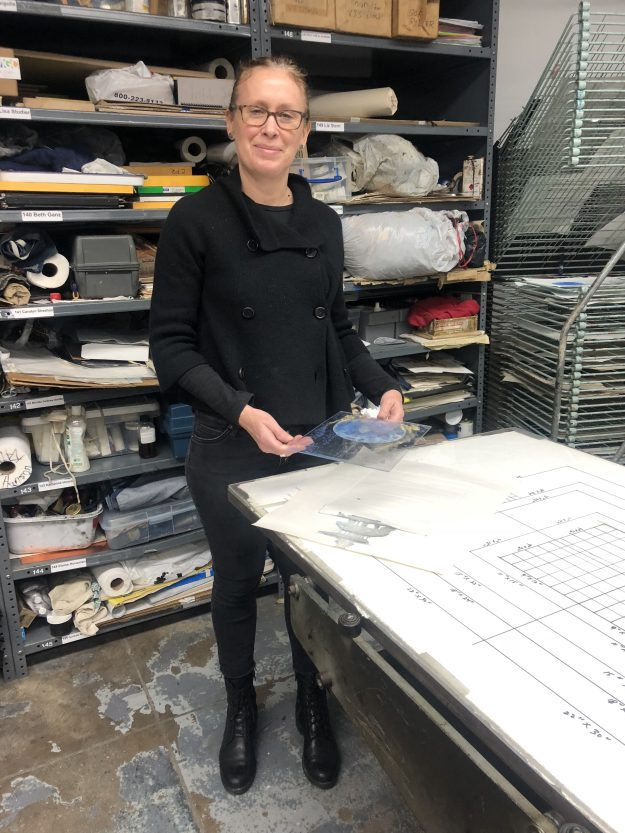 Elizabeth McAlpin is a practising artist and member of Manhattan Graphics Center