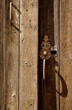 _DSC0007 copy Door and handle