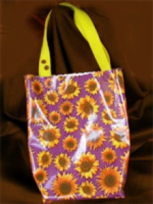 Oilcloth Tote Bags Design Amp Sewing Tips The Artful Crafter