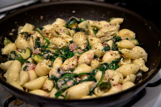 Parmesan Garlic Shells with Spinach, Zucchini and Ham