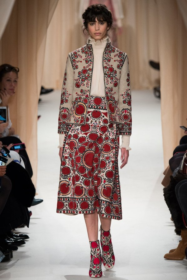 Visiting Art Of Valentino Spring 2015 Couture