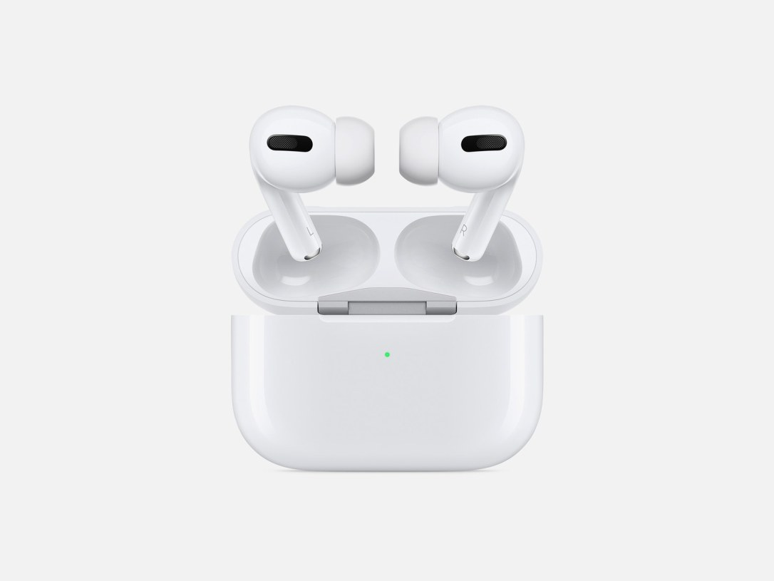 TechTwo-Apple_AirPods-Pro_New-Design-case-and-airpods-pro_102819.jpg