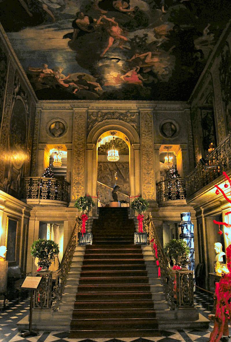 Christmas at Chatsworth  Cristopher Worthland Interiors