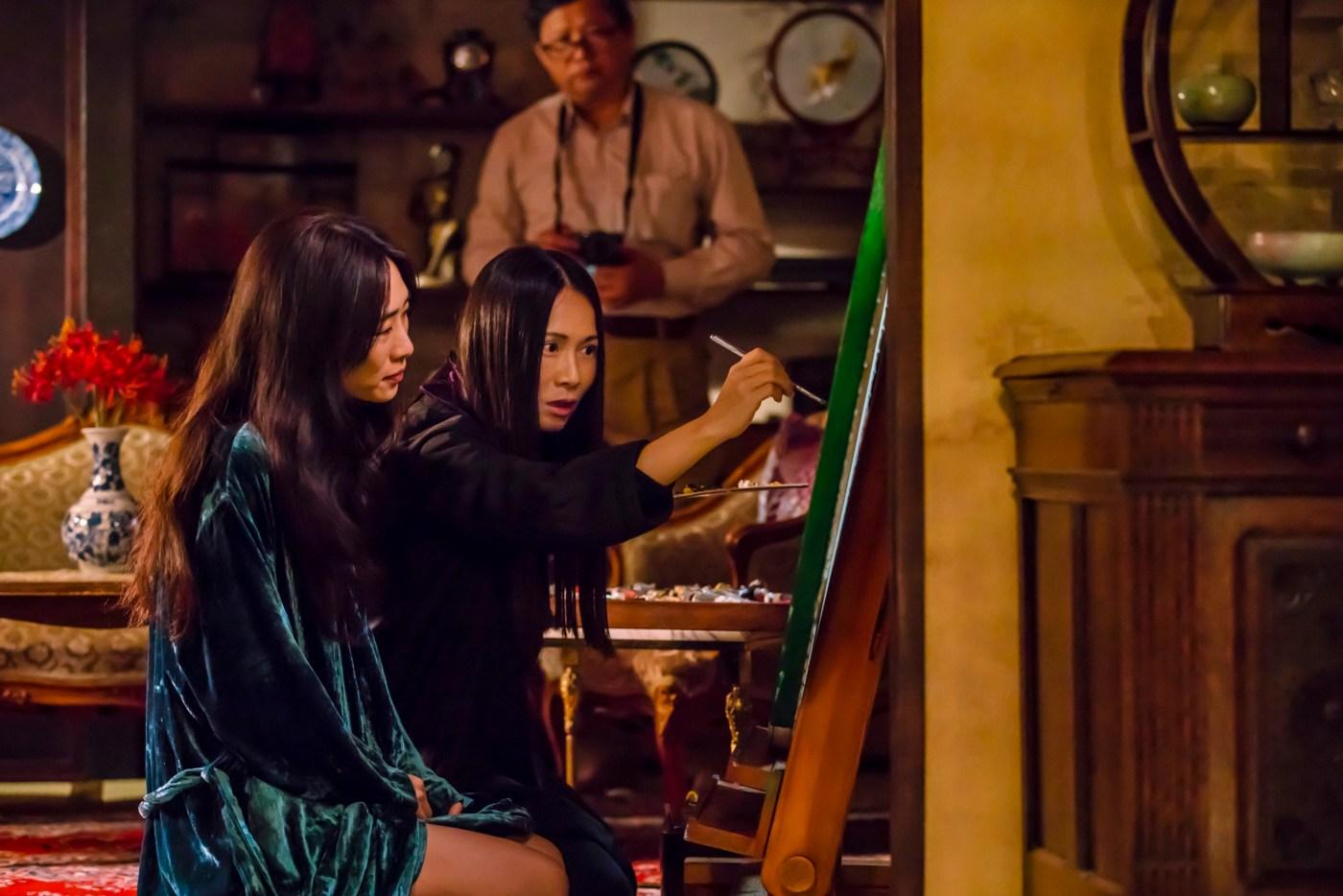 02-血觀音(双喜電影)左起吳可熙-柳依蘭