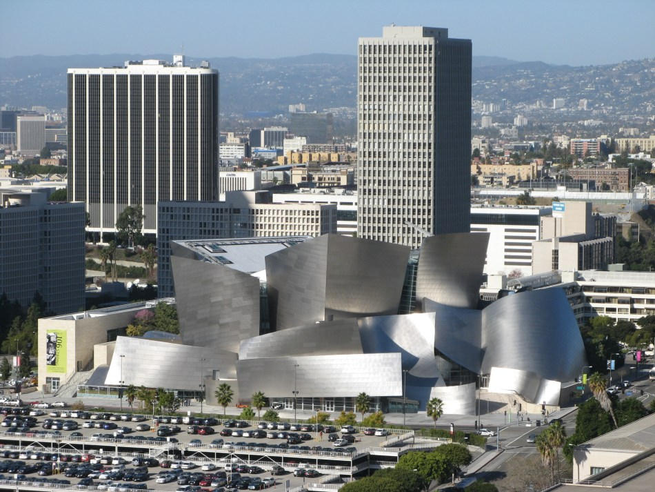 Walt_Disney_Concert_Hall_and_surrounding_area.jpg