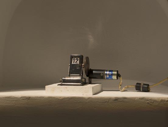 Shyu Ruey-Shiann-Travelling Back in Time-8x12 cm-Motor, antique electron...