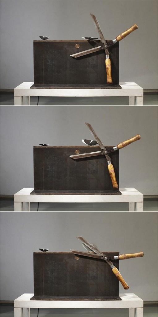 Sunil Gawde-上帝的旨意-56x84x28cm-軟鋼, 不銹鋼, 現成園藝剪刀, 電動機械零件-2011-03