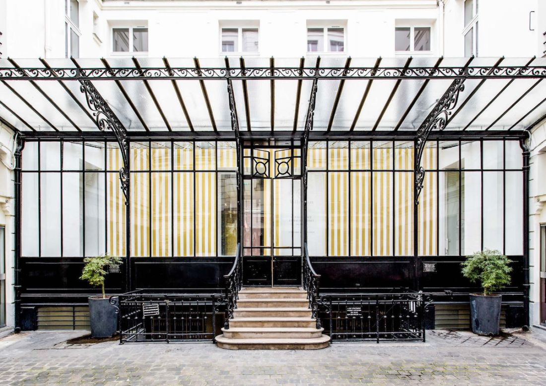 Olivier Mosset 2015 installation at 108 Rue Vieille du Temple, the future home of David Zwirner Paris. Photo by Philippe Servent.