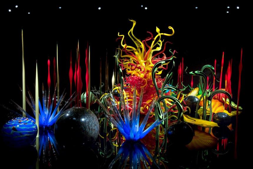 Dale-Chihuly-Toyama-Mille-Fiori-Toyama-Glass-Art-Museum-Toyama-Japan-《千朵花》富山市玻璃美術館,2015-©-Chihuly-Studio