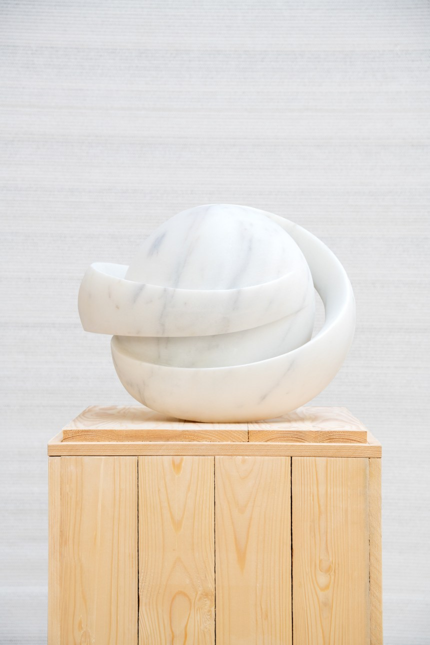 Saturn Rings 土星環, 2020, 47x35x46, White marble 白大理石, Courtesy of artist & Double Square Gallery
