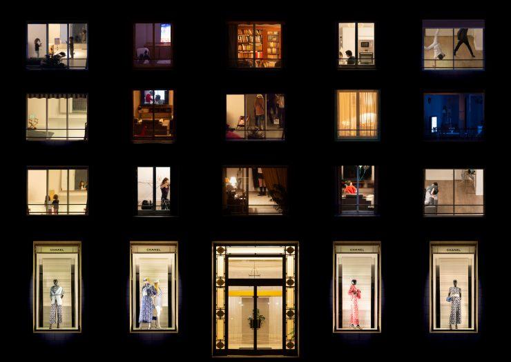 Mathieu Walter, Windows Night Fashion #1 (2020), Courtesy of Avocado 攝影藝術中心