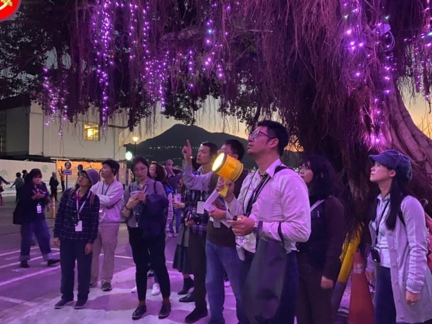 2019年基金會主辦的「光偵探-淡水的光軌跡之旅」活動,邀請設計師陳怡彰帶領學員探索並觀察環境中的光, Courtesy of 中強光電文化藝術基金會提供