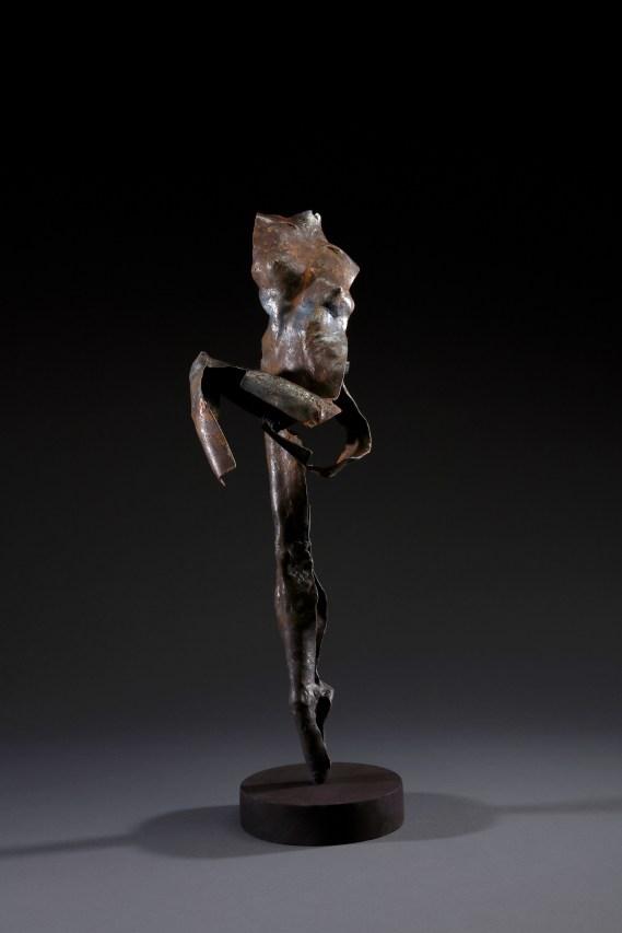 林良材Lin Liang - Tsai, 舞姿 Dance Move, 2019, 57x19cm_2019, Courtesy of 双方藝廊 Double Square Gallery