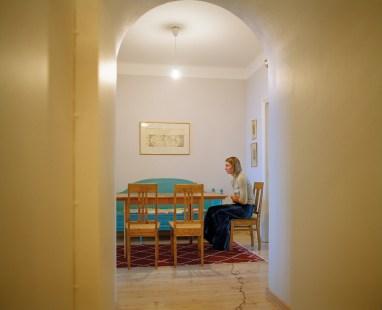 伊莉娜・布洛希雷斯,聖母領報,2009,6x7cm底片Pigment print,鋁板、裱框,52.3x64x3 cm(含框), Courtesy of 本事藝術 Solid Art