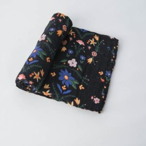 cotton-muslin-swaddle-floral-stitch