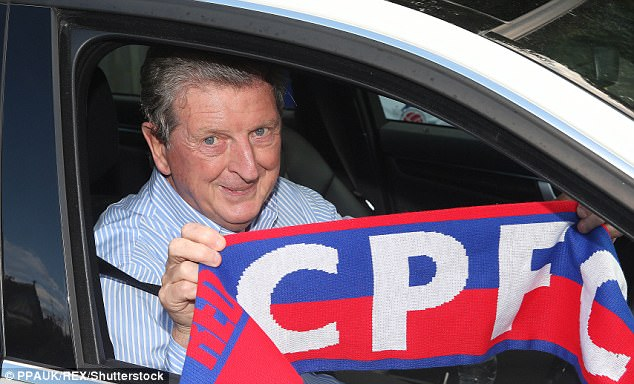 4432BEFC00000578-0-Roy_Hodgson_arriving_at_Crystal_Palace_s_training_ground_ahead_o-m-2_1505237999654