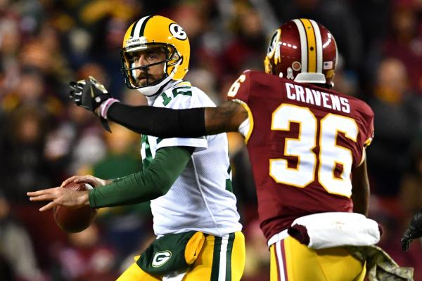 Aaron-Rodgers-stung-by-stinger-Saturday