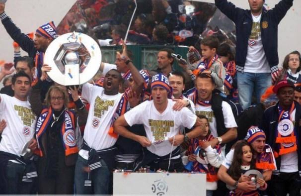olivier-giroud-montpellier-champion-21-05-2012-presentation-du-trophee-de-champion-ligue-1-place-de-la-comedie-montpellier-20120522084048-2103-800x533.jpg