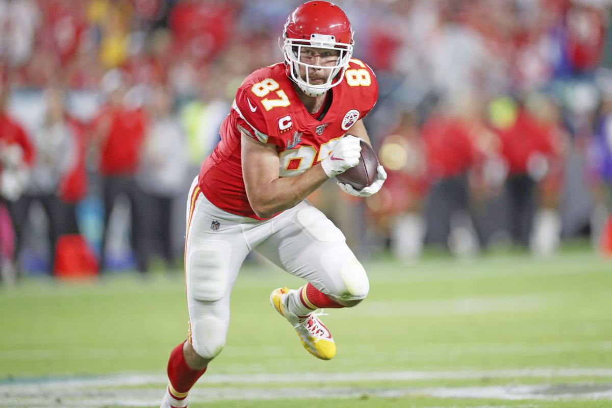 Travis Kelce, Chiefs Agree to Long-Term Extension