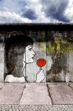 Blanche Neige Ou La Chute Du Mur De Berlin : blanche, neige, chute, berlin, Blanche-Neige, Chute, Berlin, Métilde, Weyergans,, Samuel, Hercule,, Scène, Weyergans,,, Hercule,,, Timothée, Jolly,, Theatre-contemporain.net