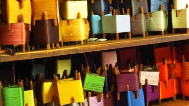 Spools of hand-dyed silk thread @Sasaki Nō Isshō. ©2013 Fritz Faust.
