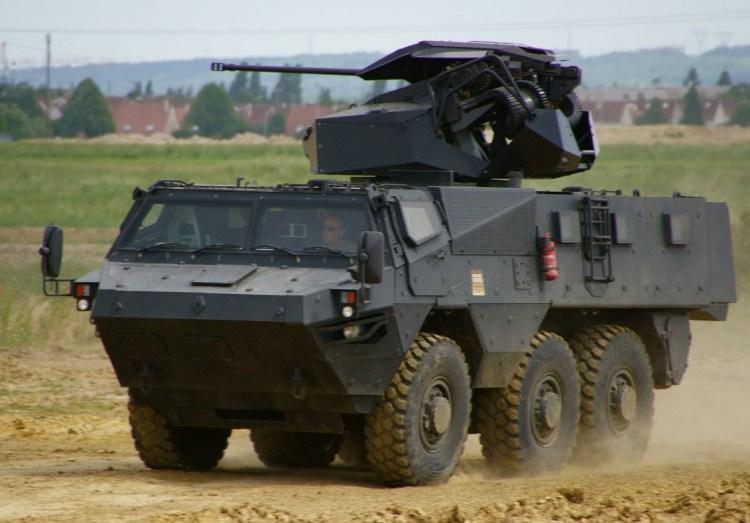 VAB Mark III de Renault Trucks Defense équipé d'une tourelle téléopérée de BAE Systems TRT-25.