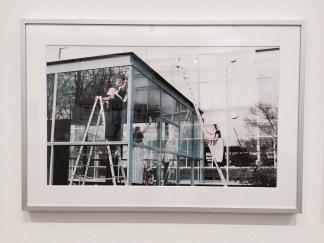 Job Koelewijn: Schoonmaken van het Rietveldpaviljoen, 1992